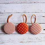Gumičky do vlasov s buttonkami oranžové