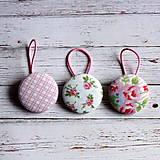 - Gumičky do vlasov s buttonkami Vintage v ružovej - 4909790_