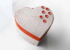 Srdiečko s porcelánovým efektom