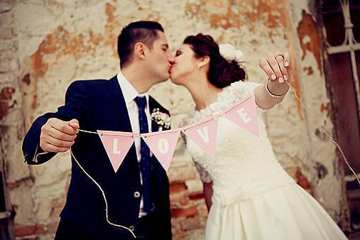 Na (svadobné) fotenie alebo výzdobu LOVE