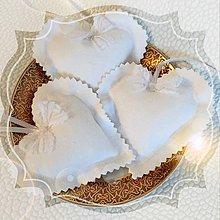 Darčeky pre svadobčanov - Svadobné srdiečka - 4931227_