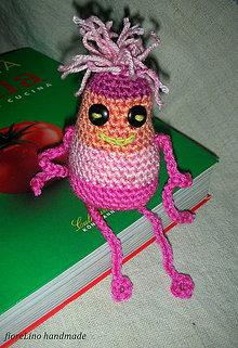 Hračky - háčkovaná hračka príšerka Pink - 4934229_