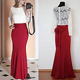 Šaty - Elastické spoločenské šaty s krajkovými rukávmi rôzne farby - 4937929_