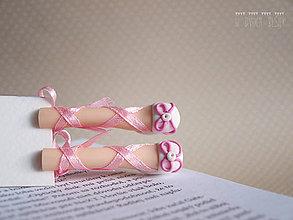 Papiernictvo - Záložka kniho-nôžka - 4937639_