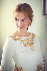 Šaty - Zlatá maľba na biele šaty... - 4942372_