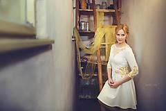 Šaty - Zlatá maľba na biele šaty... - 4942377_