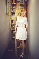 Šaty - Zlatá maľba na biele šaty... - 4942378_
