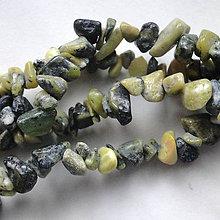 Minerály - Jaspis zlomky-návlek 10cm (zelený) - 4957146_