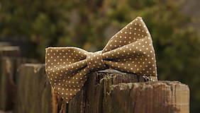 - pánsky motýlik hnedý s bodkami - 4972255_
