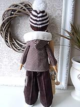 Bábiky - Chlapec v hnedom kabátiku - 4972392_
