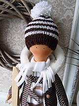 Bábiky - Chlapec v hnedom kabátiku - 4972396_