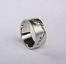 Prstene - chodník zeleným papradím - 4970918_