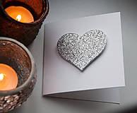 Papiernictvo - blahoželanie s trblietavým srdiečkom - 4975005_