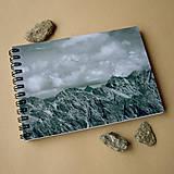 Papiernictvo - Zápisník malý - Na vrcholkoch hôr - 4974878_