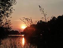 Fotografie - Západ slnka nad riekou... - 4987102_
