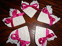 Darčeky pre svadobčanov - srdiečko pre hostí s krajkou/zdobené - 4987022_