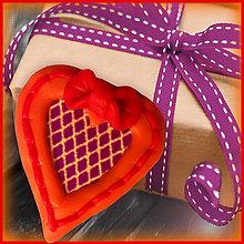 Magnetky - Valentínska magnetka - srdce (s mriežkou) - 4985488_