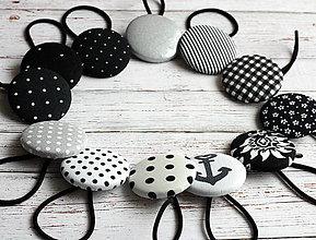 Ozdoby do vlasov - Gumičky do vlasov s buttonkami Čiernobiele veľa vzorov na výber - 4994408_