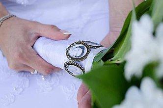 Kytice pre nevestu - Najkrajší deň s najbližšími, ktorých nosíme v srdci - 5000370_
