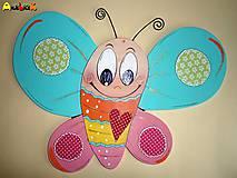 Dekorácia na zavesenie - motýľ