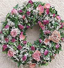 Dekorácie - růžičkový přírodní věnec - 5021509_