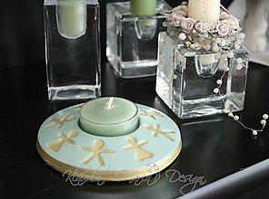 Svietidlá a sviečky - svietnik držme sa za ruky - 5047181_