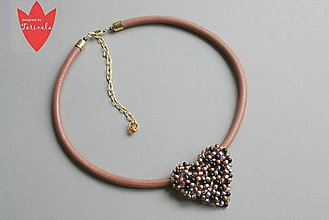 Náhrdelníky - Náhrdelník S láskou vyšívané © design Terinela - 5045572_