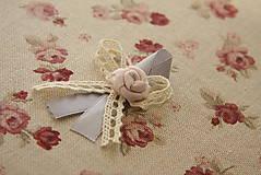 Svadobné pierka šedo ružové