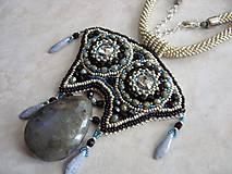 Náhrdelníky - -20% Peru - labradorit, Swarovski, bead embroidery, bead crochet - 5057929_