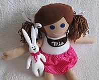 bábika Mia so zajkom