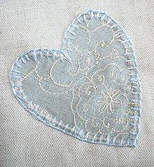 Úžitkový textil - vrecko srdiečko s kvetinkou bmz - 5062833_