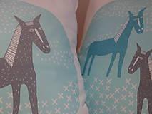 Úžitkový textil - kone na lúke - 5063947_