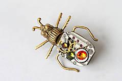 Odznaky/Brošne - Beetle 15 Kamen - 5073301_