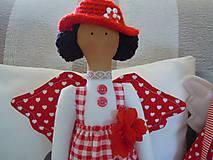Bábiky - Červená na podstavci so slnečníkom - 5085450_