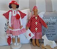 Bábiky - Červená na podstavci so slnečníkom - 5085454_