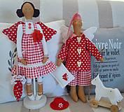 Bábiky - Červená na podstavci so slnečníkom - 5085461_