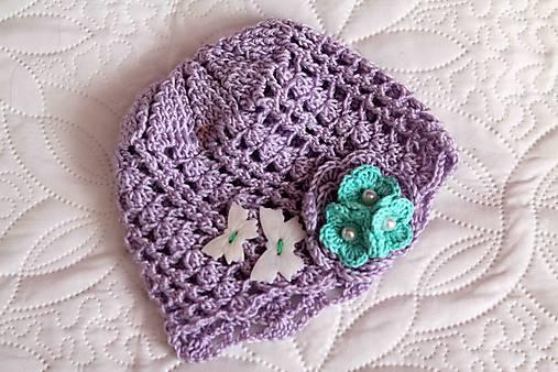 jarná fialová čiapka