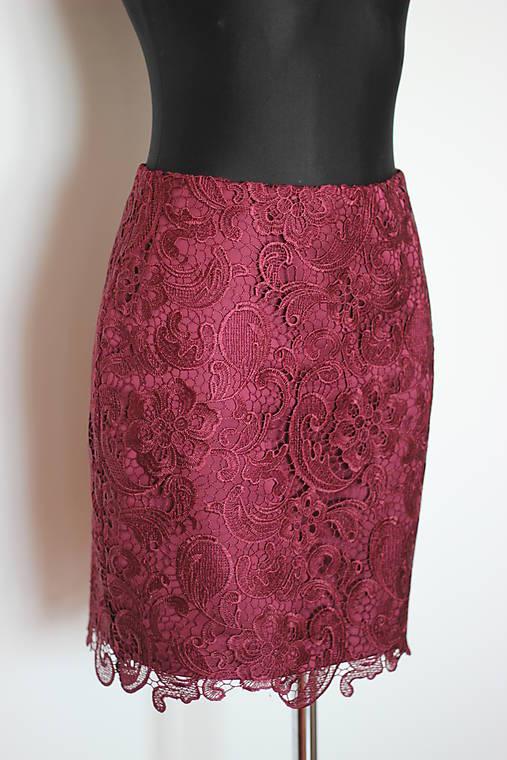 Púzdrová sukňa z hrubej krajky