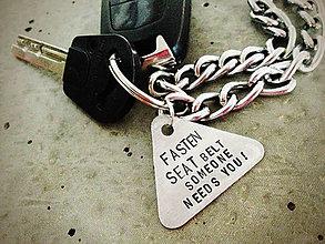 Kľúčenky - ..výstražný trojuholník pre šoféra / PRIPÚTAJ SA - 5103584_