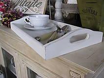 Nádoby - Biela patinovaná tácka - 5104108_