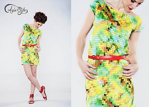 PYRAMIDS šaty