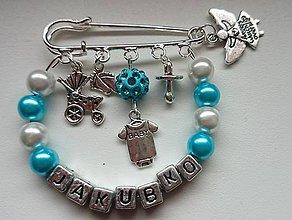 Odznaky/Brošne - Personalizovaná brošnička s menom dieťatka - 5110870_