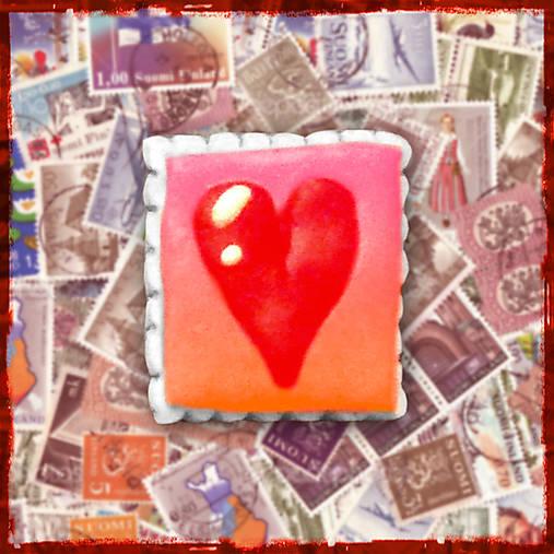 Polymérová poštová známka - srdiečko
