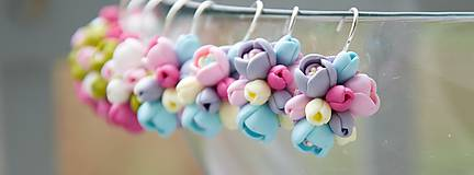 Náušnice - Pastelové kvety - zatvárateľné kvietkové náušnice - 5126409_