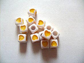Korálky - kocka srdiečko žlté /7mm x 7mm/ - 5135809_