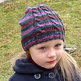 Detské čiapky - Pletená čiapka s troma osmičkami/vrkočami - 5140240_