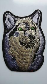 Aplikácia / nažehlovačka vlk