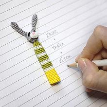 Hračky - Veľkonočný zajačik v pásikavom svetríku alebo anti-obhrýzacia pomôcka zajačia - 5162982_