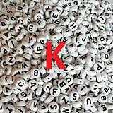 - Korálky písmeno K krúžky biele 6 m - 5162744_
