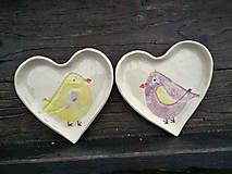 Nádoby - Mištička srdiečko: Vtáčik žlto-fialová - 5169301_